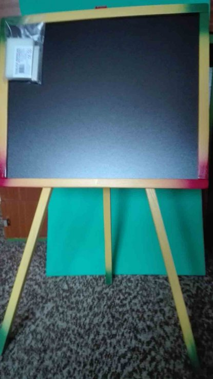 tabula-drevena-na-stojane-48x41cm-na-kriedu.jpg