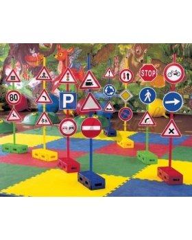 dopravne-znacky-sada-znaciek-tyci-a-blokov-1.jpg